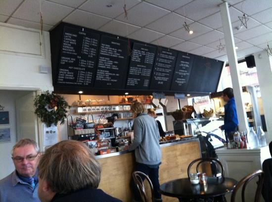 case analysis of levendary café